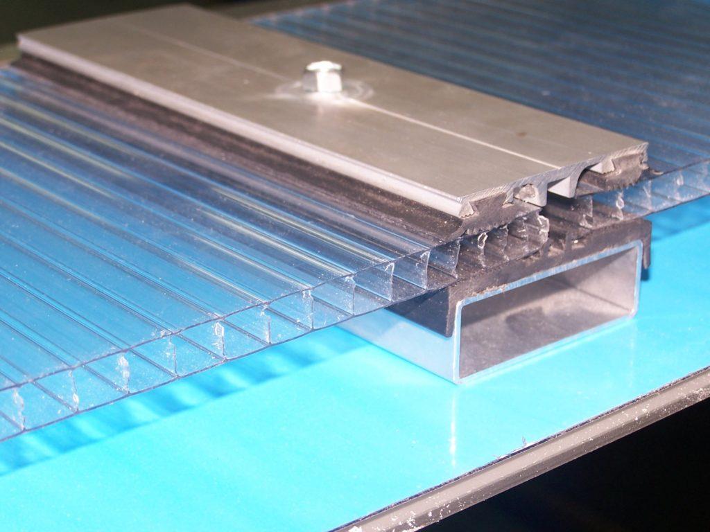 Don toldo toldos en madrid cubiertas de policarbonato for Materiales para toldos de aluminio