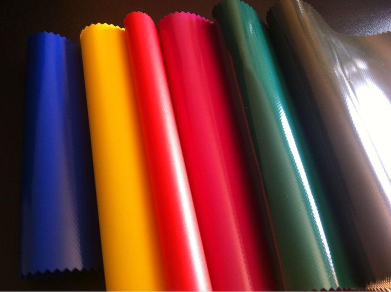 Detalle de lona PVC en colores brillantes